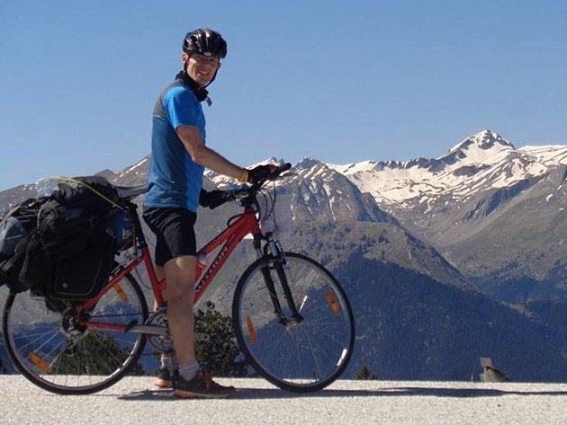 Na kole do hor a zapadlých koutů Gruzie