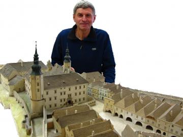 Beseda o historii a archeologii hranického zámku