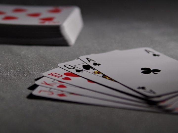 Turnaj v karetní hře Prší na Loděnici
