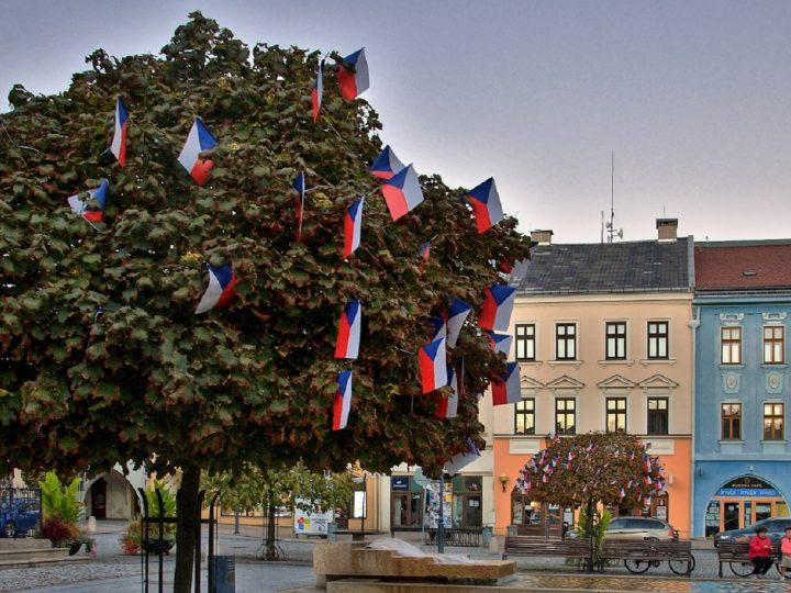 Vlajkovníky v centru Hranic