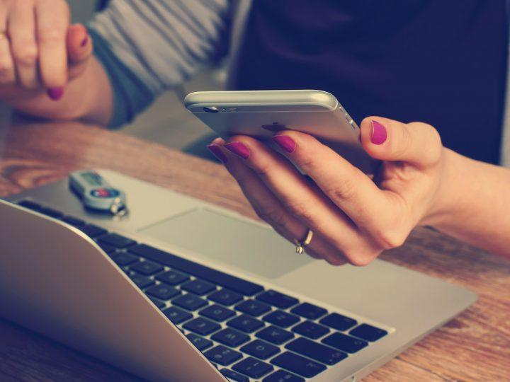 Etiketa telefonní a emailové komunikace