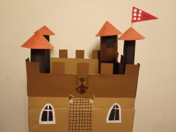 Výroba středověkého hradu a rodového erbu