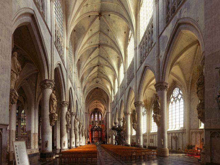 Film: Adventní putování po evropských kostelích