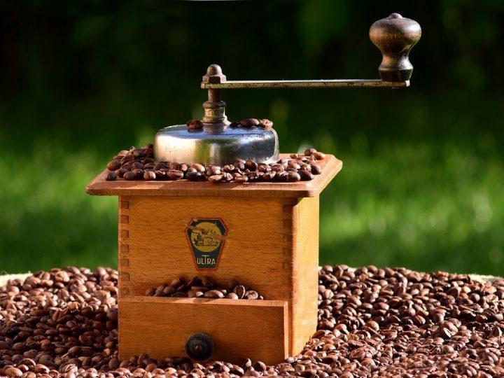 Čtvrtky na námku: Bleší trh + Historická pražírna kávy